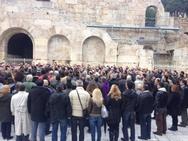 Όρκος 300 «πιστών» του Πατρινού, Αρτέμη Σώρρα κάτω από την Ακρόπολη (pics+video)