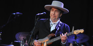 O Bob Dylan θα παραλάβει το Νόμπελ του στη Στοκχόλμη