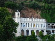 Παναγία Τρυπητή - Ένας από τους πιο μεγαλοπρεπείς ναούς της Αχαΐας (pics+video)