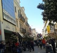 Κόσμος στο κέντρο της Πάτρας - Σε γιορτινή ατμόσφαιρα η αγορά (pics)