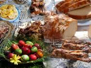 Πάσχα - Πόσες θερμίδες έχουν τα παραδοσιακά φαγητά και γλυκά