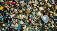 Παρίσι: Σε δημοπρασία τον Μάιο τα «λουκέτα της αγάπης»