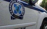 Πάτρα: Οδηγός «κατέβασε» βιτρίνα καταστήματος με το αυτοκίνητό του