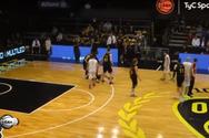 Μπάσκετ: Σώριασε τον αντίπαλό του με μια αγκωνιά (video)