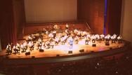 Πάτρα: Καταχειροκροτήθηκε η συναυλία - αφιέρωμα στον Στράτο Διονυσίου (pics+video)