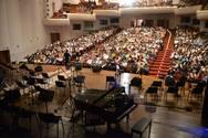 Πάτρα: Κατάμεστο το Συνεδριακό Κέντρο του Πανεπιστημίου, για τη συναυλία - αφιέρωμα στον Στράτο Διονυσίου (pics+vids)
