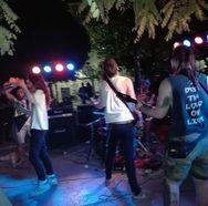 Ανάστατοι οι κάτοικοι της πλ. Όλγας - To Punk Festival 'άναψε' για τα καλά τα 'αίματα'! (video)