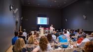 Το Πατρινό κοινό γνώρισε τη φωτογραφική δουλειά 'Προσωπογραφίες' του Κωνσταντίνου Ιγνατιάδη! (φωτο)