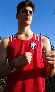 """Ο 15χρονος Πατρινός μποξέρ που όταν ανεβαίνει στο ρινγκ τα """"ξεχνάει"""" όλα! (pics)"""