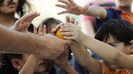 Στενάζει η φτώχεια και η πείνα στα θρανία των σχολείων της Πάτρας