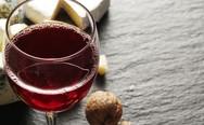 Ένα έξυπνο κόλπο για να απολαύσεις παγωμένο κρασί στο ποτήρι χωρίς παγάκια