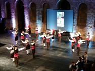 Πάτρα: Καταχειροκροτήθηκε το Χορευτικό Τμήμα του Δήμου στο Αρχαίο Ωδείο (vids)