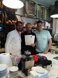 Special coffee experts και ομάδα που 'πετάει' στο The Juice Bar στην Έλληνος Στρατιώτου!