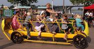 Τα λεωφορεία που μεταφέρουν τα παιδιά στο σχολείο στην Ολλανδία (video)