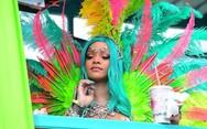 Η Rihanna μας ταξιδεύει στα Barbados! (φωτο+video)
