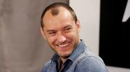 Στο μαγευτικό Ιόνιο παραθερίζει ο διάσημος ηθοποιός Jude Law! (pics)