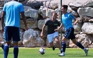 Ο Εμανουέλ Μακρόν έπαιξε μπάλα με τους παίκτες της Μαρσέιγ (φωτο)