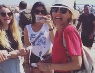 Το απρόοπτο που έτυχε στη Δέσποινα Βανδή στη Σύρο (video)