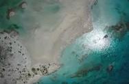 Υποβρύχια πλάνα και εικόνες από drone από το μαγευτικό Ελαφονήσι (video)