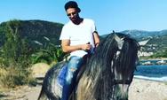 Κωνσταντίνος Αργυρός - Μετά το live στην Πάτρα... πήγε για ιππασία στην Ναύπακτο! (video)