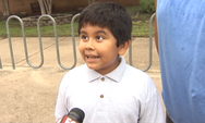Το πιο ενθουσιασμένο παιδί με το άνοιγμα των σχολείων (video)