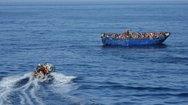 Κρήτη: 103 μετανάστες εντοπίστηκαν σε ξύλινο σκάφος