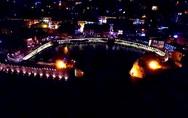 Εναέρια περιπλάνηση πάνω από το φωτισμένο Κάστρο της Ναυπάκτου (vids)