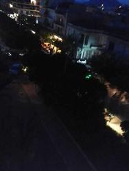 Βράδυ Σαββάτου στην Πάτρα και στην Τριών Ναυάρχων παίζουν την «τυφλόμυγα» (pics)