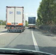 Πάτρα - Κακός, απρόσεκτος, εγωιστής οδηγός νταλίκας στον δρόμο! (video)