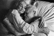 Αυξημένα τα περιστατικά HIV στις ηλικίες άνω των 50 και στην Ελλάδα