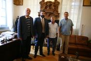 Στο Δημαρχείο της Πάτρας ο Υφυπουργός Αθλητισμού, Γιώργος Βασιλειάδης! (φωτο)