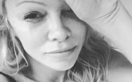 Τα δάκρυα της Pamela Anderson για τον θάνατο του «Mr Playboy»