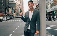Στη Νέα Υόρκη o Σάκης Ρουβάς με την Κάτια Ζυγούλη (video)