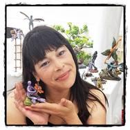 Μια Μαρία που... ονειρεύεται γίγαντες & παράξενα πλάσματα να περπατούν στην Πάτρα!