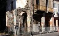 Πάτρα: Κατεδαφίστηκαν δύο ετοιμόρροπα κτίρια στη Γερμανού!