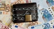 ΕΚΠΟΙΖΩ - Κατασχέσεις κοινών λογαριασμών από το Δημόσιο
