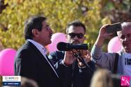 Πάτρα: Ο 'κόκκινος' Κώστας Πελετίδης «ντύθηκε» και αυτός στα ροζ (pic)