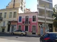 Το ροζ νεοκλασικό κτίριο της Πάτρας, που μαγνητίζει τα βλέμματα! (φωτο)