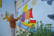 Ο συνταξιούχος που ζωγραφίζει σχολεία της Πάτρας και μας μαθαίνει την αξία του εθελοντισμού! (pics)