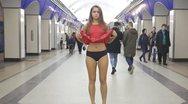 Φοιτήτρια ανέβασε τη φούστα της για να διαμαρτυρηθεί για το upskirting (video)