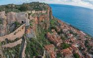 Η καστροπολιτεία της Μονεμβασιάς - Μνημείο παγκόσμιας εμβέλειας στην Πελοπόννησο! (φωτο+video)