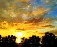 Το ηλιοβασίλεμα 'βυθίζεται' στη θάλασσα του Πατραϊκού!