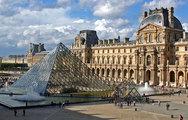Σαν σήμερα 8 Νοεμβρίου το μουσείο του Λούβρου στο Παρίσι ανοίγει τις πόρτες του στο κοινό