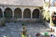 Ένα μοναστήρι στο τέλμα ενός απομονωμένου παραδείσου, ψηλά στην Αχαΐα (pics)