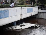 Το λεωφορείο που ερχόταν στην Πάτρα κόντεψε να γίνει… «Τιτανικός» - Νέες φωτό και βίντεο
