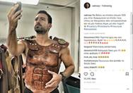 Ντύθηκε... Σπαρτιάτης ο Σάκης Τανιμανίδης