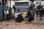 Έφτασε στη Ναύπακτο το λεωφορείο που είχε ακινητοποιηθεί στην Αττική (video)
