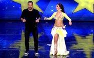 Σάκης Τανιμανίδης σε χορεύτρια οριεντάλ: «Έχεις τα καλύτερα αμορτισέρ» (video)