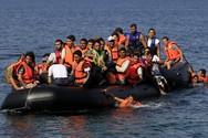 10χρονο αγόρι ανασύρθηκε χωρίς τις αισθήσεις του, από λέμβο με 66 πρόσφυγες