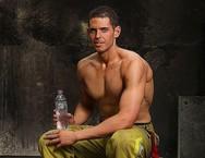 Η απίστευτη μεταμόρφωση ενός πυροσβέστη που κάποτε ζύγιζε 154 κιλά (φωτο)